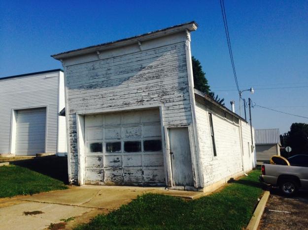 The leaning garage in Haysville Ohio